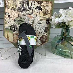 Sanuk Women's Flip Flop.